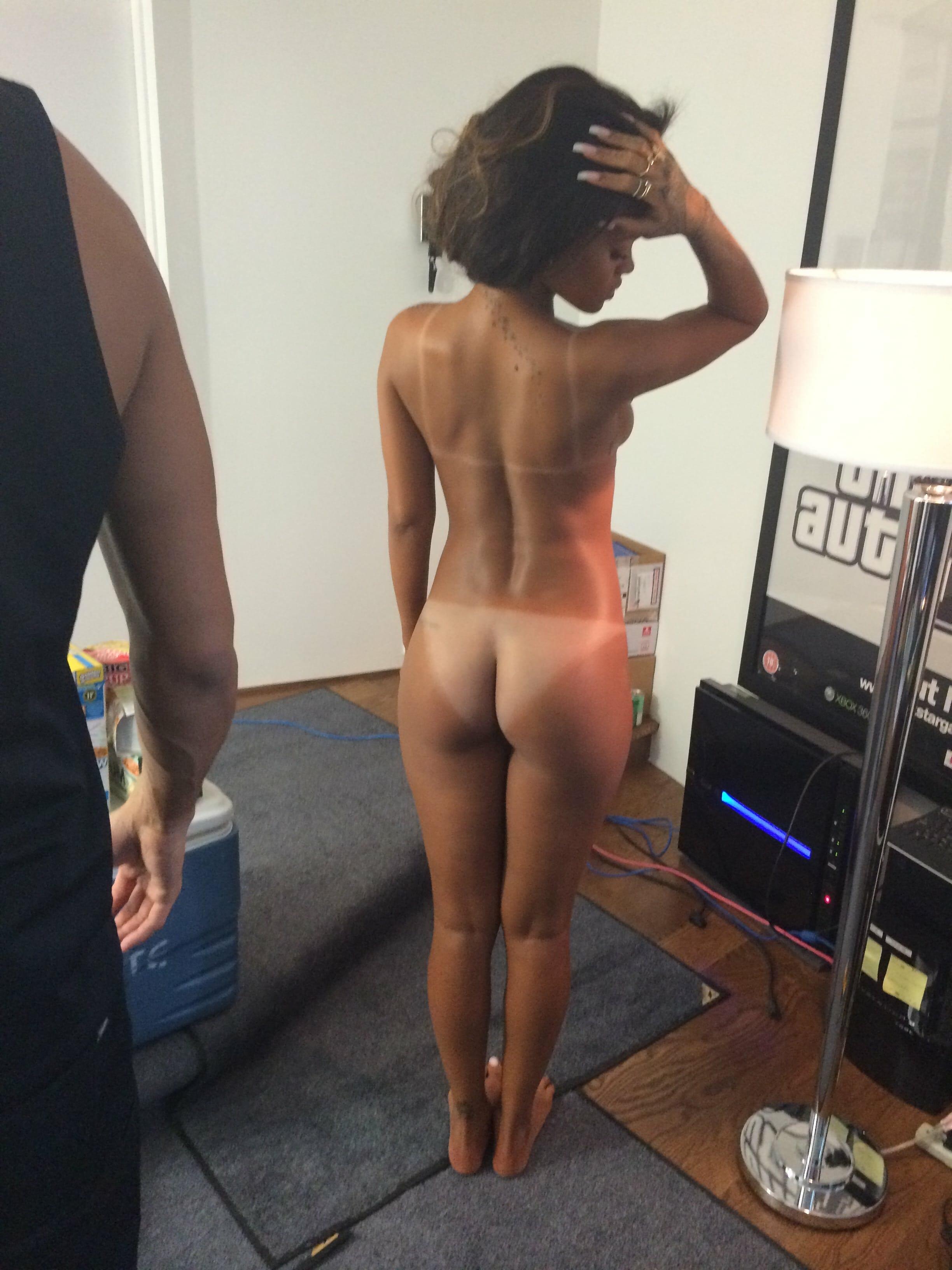 pics of naked rihanna free