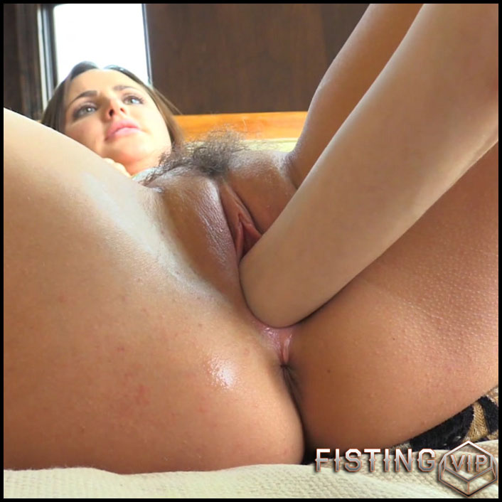 streaming young porno girls