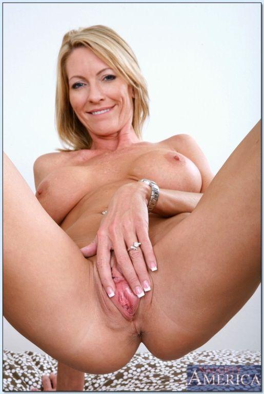 lohan hilary nude duff and lindsay