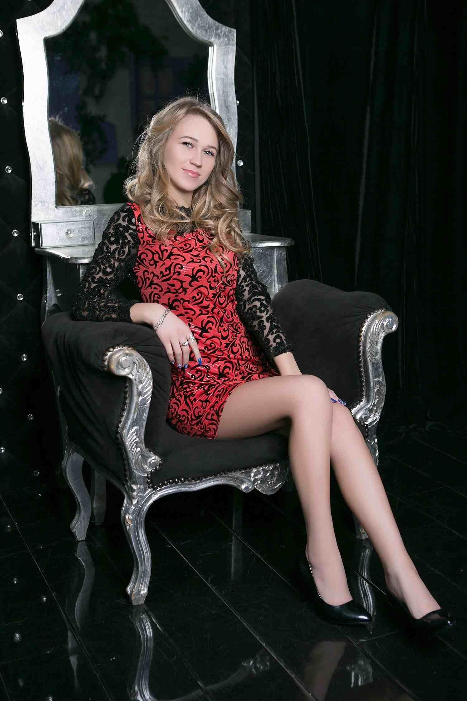 Scarlett Combs
