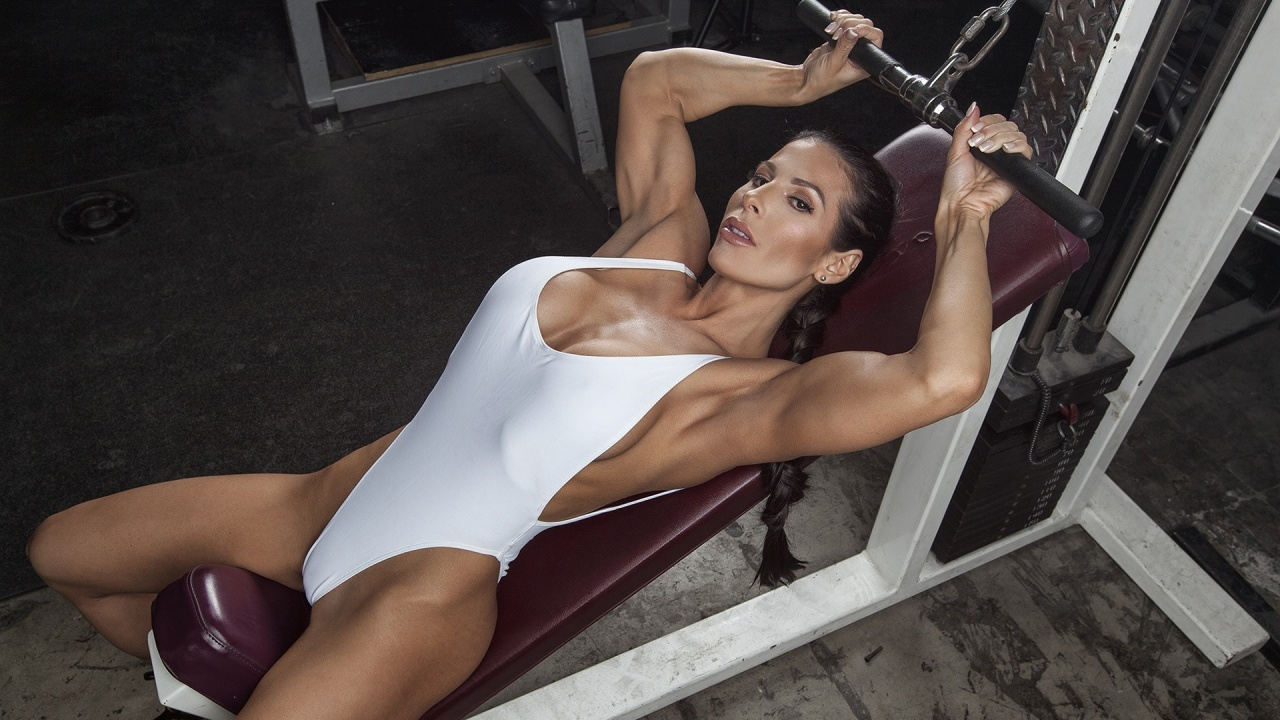 model nude fitness pictures