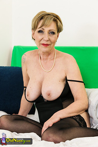 big tits in judge s parker red
